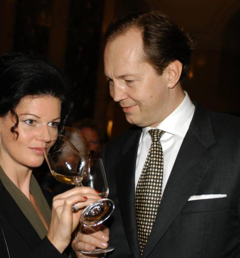 Berndt und Andrea May von May Wines verkosten einen Wein